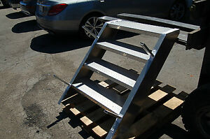4 Step Platform Stage Ladder Aluminum Stairs Truck Trailer Semi Stairway 32