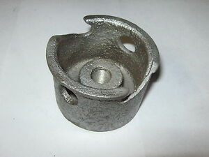 Old Briggs Stratton Gas Engine Cast Iron Starter Cup 61492 Model A