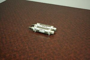 Lot Of 2 Used Smc Pneumatic Cylinders Us5980 s0200