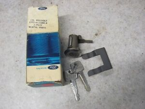 Nos 67 68 69 70 71 72 Ford Truck Door Lock W Keys C7tz 8121984 a