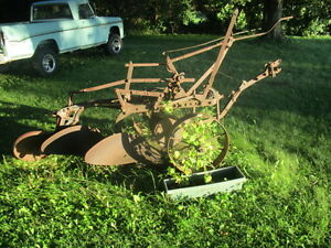 Good Shape old Oliver Plow Tractor Implement