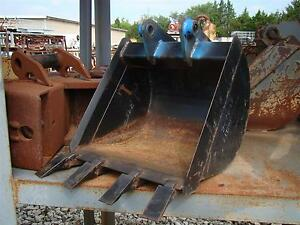 18 Excavator Bucket With Teeth 32mm X 5 3 8 2 7047