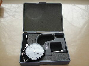 Mitutoyo No 7304 Flat Anvil Dial Thickness Gage 2416f