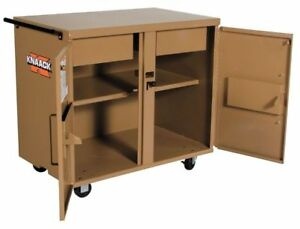 Knaack 40 Jobsite Mobile Workbench 40 3 4 W X 25 D X 37 1 2 H Tan