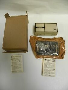 Nos Vintage Carrier Hh07at172 Thermostat 2 stage Heat Cool a7