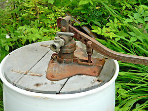 Vintage Well Barrel Cast Iron Hand Water Pump Frost Insecticide Co Arlington Ma