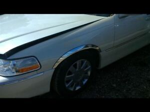 L Fender Fits 03 11 Lincoln Town Car 1922353
