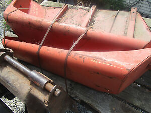 Allis Chalmers Pair Of Fenders 190xt Tractor Parts