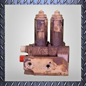 Used Cat 303c Cr Boom Swing auxiliary Manifold Solenoid 267 0424