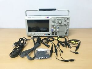Tektronix Mso3032 Oscilloscope With P6316 20 X Grabbers And 4 X P2220 Probes