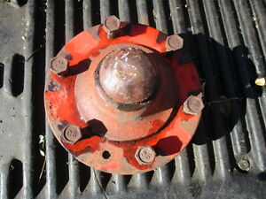 G1719 Front Wheel Hub 500b 600b 630 With Adj Wide Fronts J I Case Tractor Part