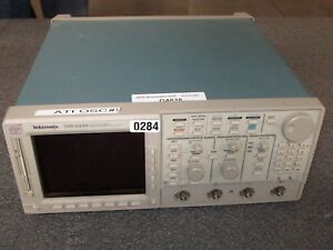 Tektronix Tds 644b Color Four Channel Digital Real time Oscilloscope