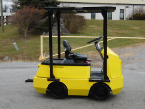 1998 Taylor dunn Huskey C4 25 48v Electric Tow Tractor