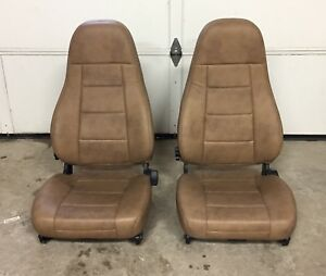 M2 Freightliner Semi Truck Brown Leather Pair National Air Ride Bucket Seats