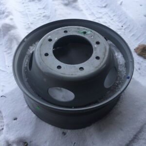 Ford 19 5 Dual Wheel F450 F550 8 Lug Steel Wheel 19 5 Oem 1999 2005 F81d 1015 ba