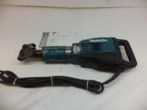 Used Makita 14 Amp 1 1 8 In Demolition Hammer With Case Hm1307cb H3