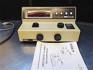 Spectronic 20d Spectrophotometer Model 333183 Powers Up Responds S3192