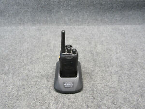 Kenwood Tk 3160 1 16 channel Handheld Uhf Fm Transceiver W Charging Base