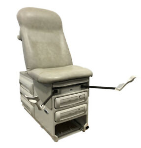 Ritter Midmark 604 Medical Exam Table W Stirrups