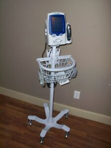 Welch Allyn Spot Vital Signs Patient Monitor Lxi 45ne0 With Stand