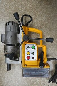 Dewalt Dw159 Heavy duty 10 Amp Magnetic Drill Press