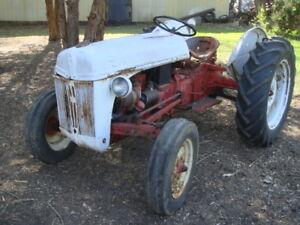 1951 Ford 8n Farm Tractor Works Original 6 Volt