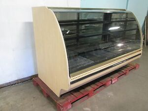structural Concepts Lighted Curved Glass Refrigerated Cake bakery Display Case