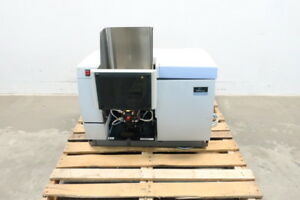 Perkin Elmer B3150080 Aanalyst 400 Atomic Absorption Spectrometer