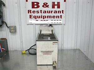 Apw Wyott 10 Electric Corn Dog Fryer Cdf 19d