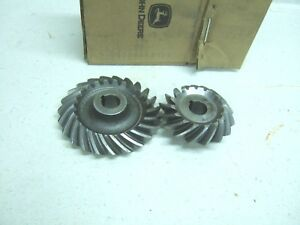 Nos John Deere H Hn Hw Fan Shaft And Governor Gear And Pinion Set Ah701r