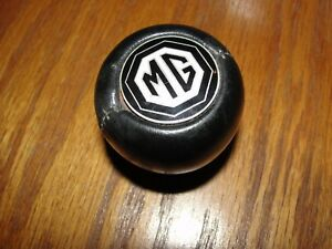 Rarely Found seen Vintage Amco Black Vinyl 70 s Mgb mgb gt mg emblem Shift Knob