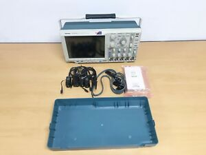 Tektronix Mso4054b Oscilloscope With Tpp0500 P6616 Logic Probe Kit And Cover