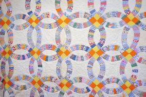 Bright Antique Wedding Ring Quilt Hand Quilted Hand Pieced C1940s