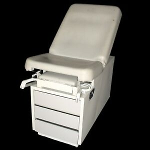 Hamilton E Series Adjustable Exam Table Five Drawer W pullout Stirrups