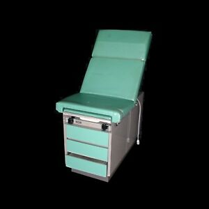 Ritter 100 005 Adjustable Exam Table Five Drawer W pullout Stirrups