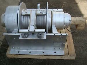 Dp Manufacturing Hydraulic Winch 55 000 Lb Capacity Model 51882 r