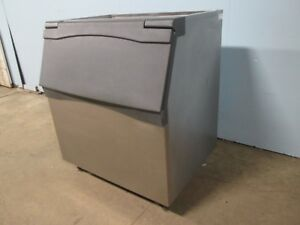 scotsman B842 S Hd Commercial 800lbs Open top Ice Storage Bin W flip up Door