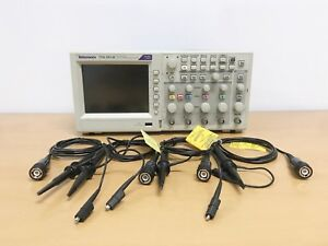 Tektronix Tds2014c 100mhz 4ch Oscilloscope With P2220 Probes