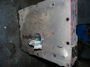 Farmall international 300 Utility Tractor Hydraulic Cover