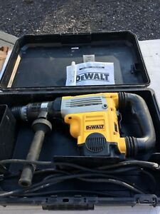 Dewalt D25730 2 Sds Max Rotary Hammer 120v In Case Good W tools