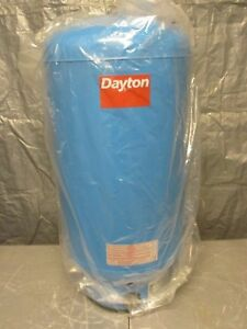 Precharged 26 Gallon Water Tank Vertical 34 1 2 H X 16 Dia 125psi New