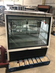 True Refrigerator Bakery Deli Case Refrigerated Meat Cheese Display Cooler