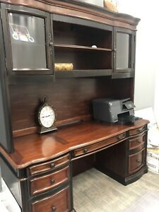 Executive Desk Set Used