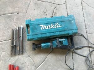 Makita Hm1307cb Demolition Jack Hammer 35lbs With 4 Diffrent Chisels