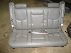 00 06 Chevy Suburban Yukon Xl Third Row 3rd Seat Gray Seats Belts