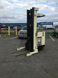 Crown Reach Truck Forklift 3500lb 240 Lift 36 Volt With Battery