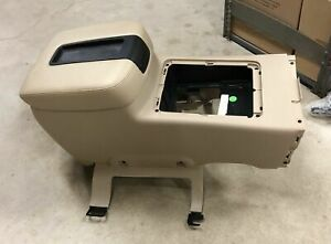 New 07 13 Chevy Tahoe Suburban Sierra Silverado Ltz Oem Tan Center Console
