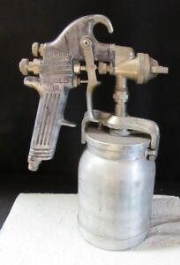 Binks Model 18 Paint Spray Gun With Pot Great Condition a002