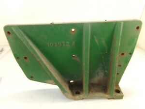 Oliver 1600 Tractor Fender Mounting Bracket 2 Right