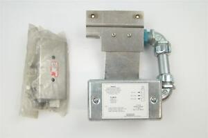 Hobart Table Limit Switch With Honeywell Microswitch Bze6 2rn s F17927b